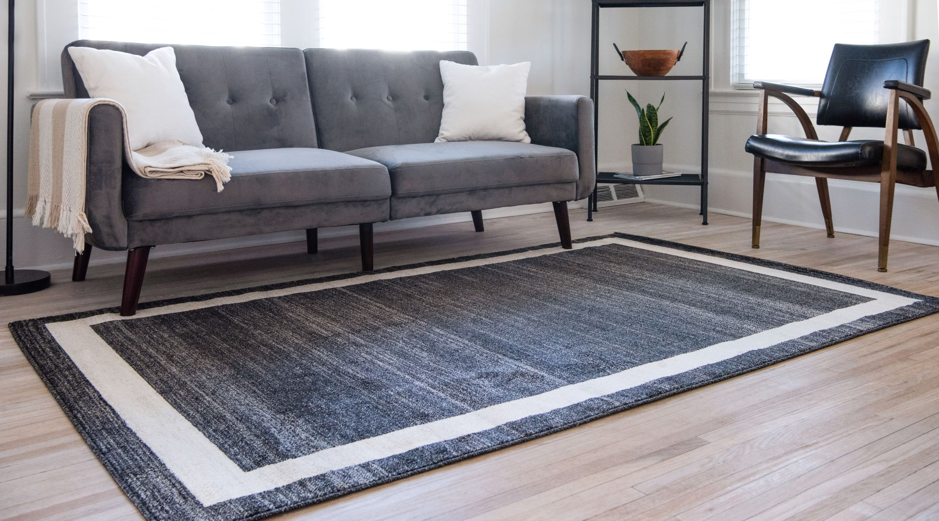 Choosing The Right Living Room Rug For
