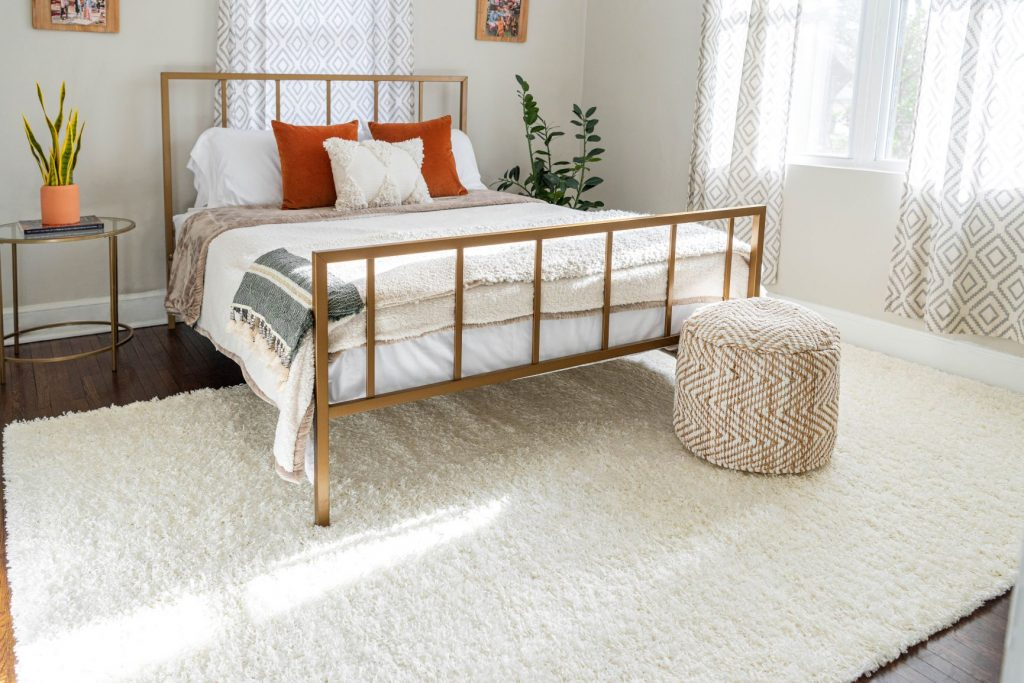 Picking the Best Bedroom Rug: The